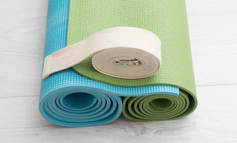 How do you use a yoga belt